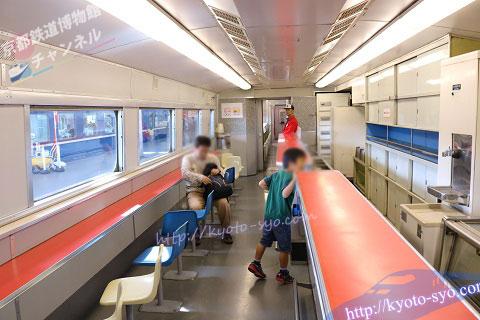 0系新幹線の食堂車