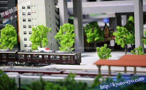 阪急電鉄の8000系電車の模型