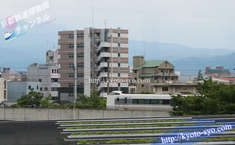 JR嵯峨野線を走る特急こうのとり