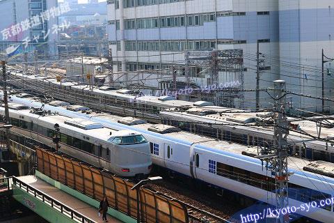 リーガロイヤルホテル京都の部屋から見える電車