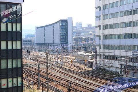 ホテルの部屋から見える線路