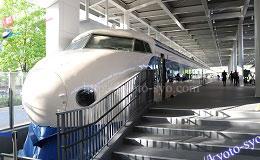 京都鉄道博物館の館内